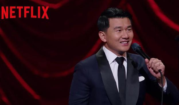 超犀利!美国明星华裔演员在脱口秀上吐槽国人因疫情遭到歧视~句句在理~!